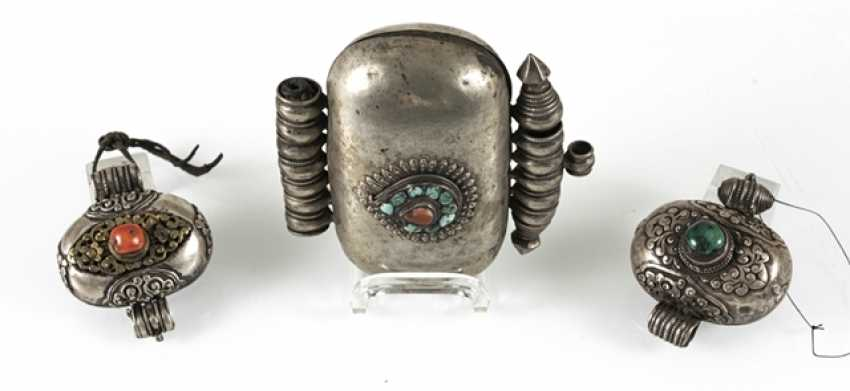 Three amulet cans, some in silver or copper, among other things coral/turquoise trim - photo 3