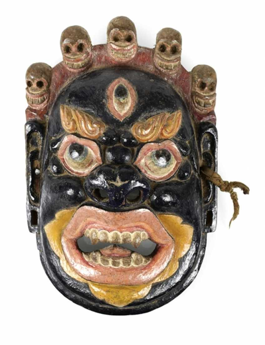 Polychrome ducted demon mask made of wood - photo 1