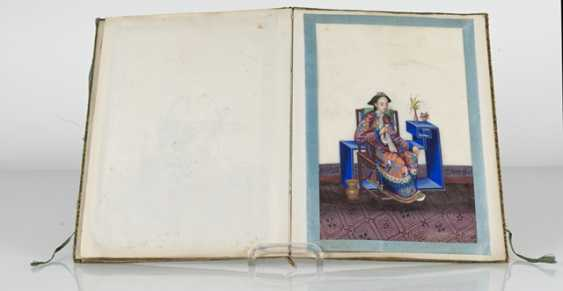 Album with 19 portraits of nobles, floral scenes and butterflies - photo 3