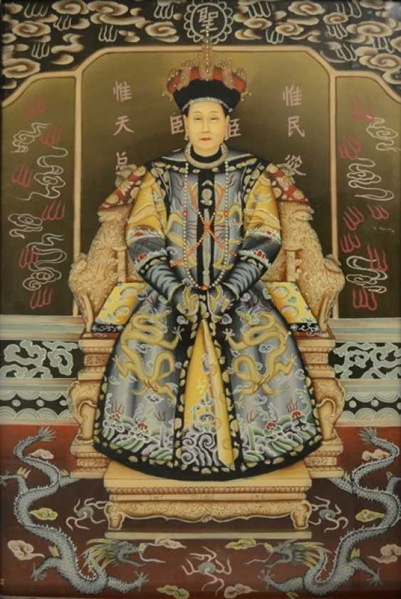 Pair of framed behind glass paintings with depiction of the Imperial couple - photo 2
