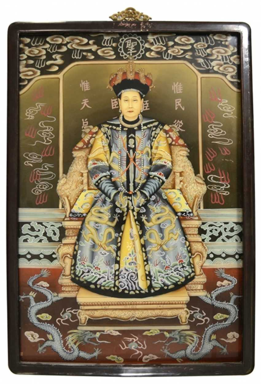 Pair of framed behind glass paintings with depiction of the Imperial couple - photo 3