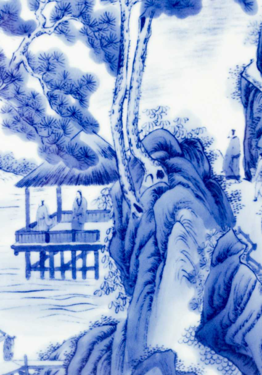 Four Chinese porcelain plaques with painted river landscapes in blue colour on white ground, glazed, on top Chinese script signs and artist's stamp - photo 3