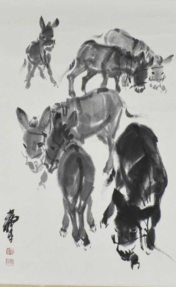 Hanging scroll with painting of six donkeys - photo 1