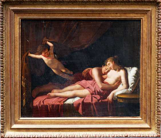 Jacques-Louis David (1748-1825)-circle, Two lovers on bed stead presented by Amor opening the curtain - photo 1