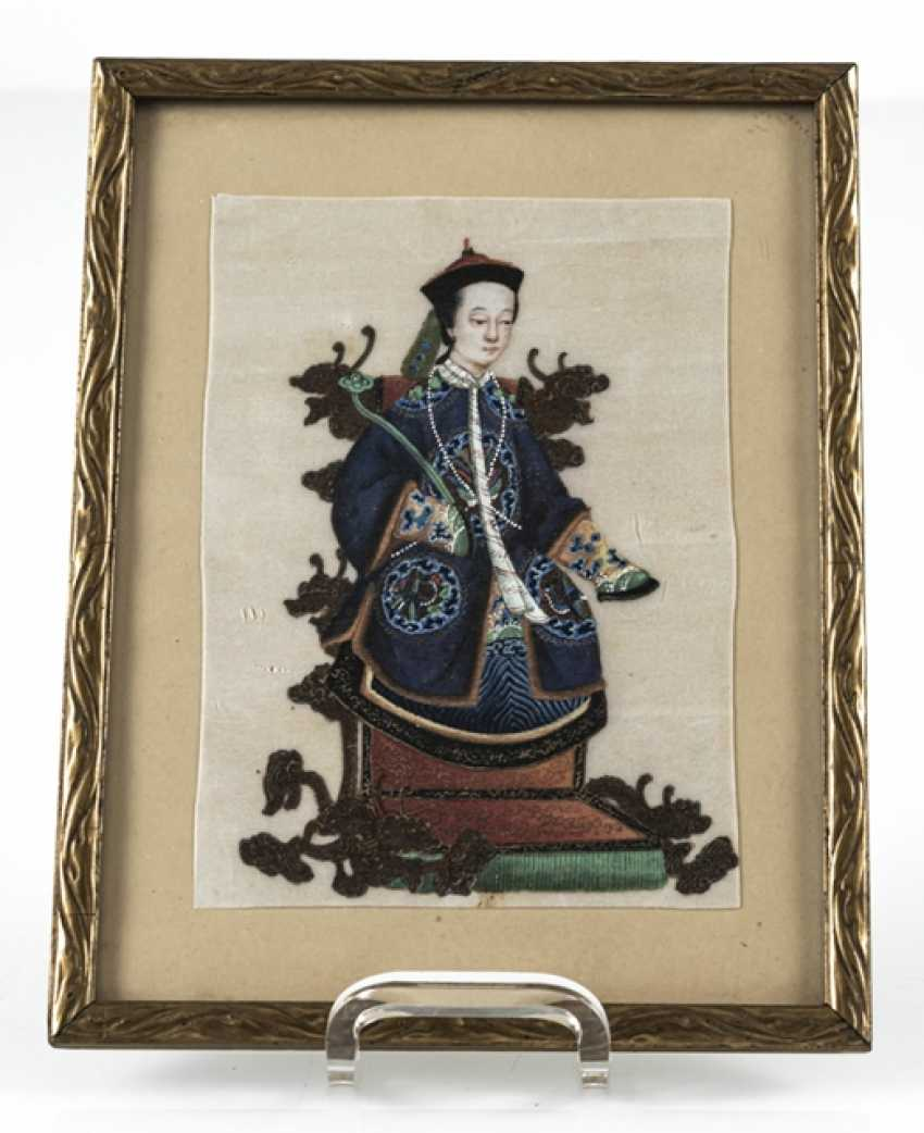 Three framed rice paper paintings with figurative representations - photo 3