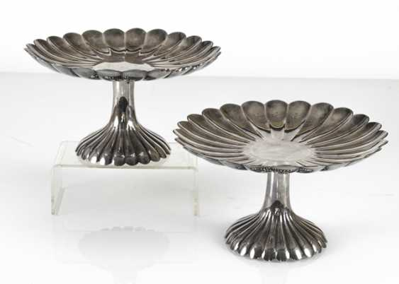 Two of the chrysanthemum-shaped Tazzen silver - photo 2