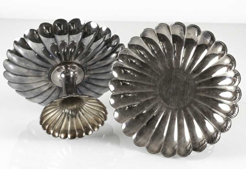 Two of the chrysanthemum-shaped Tazzen silver - photo 3