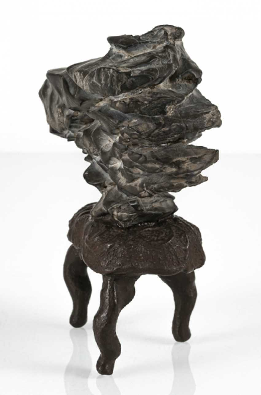 Taught stone on the three-legged root wood with brown lacquer collection - photo 2