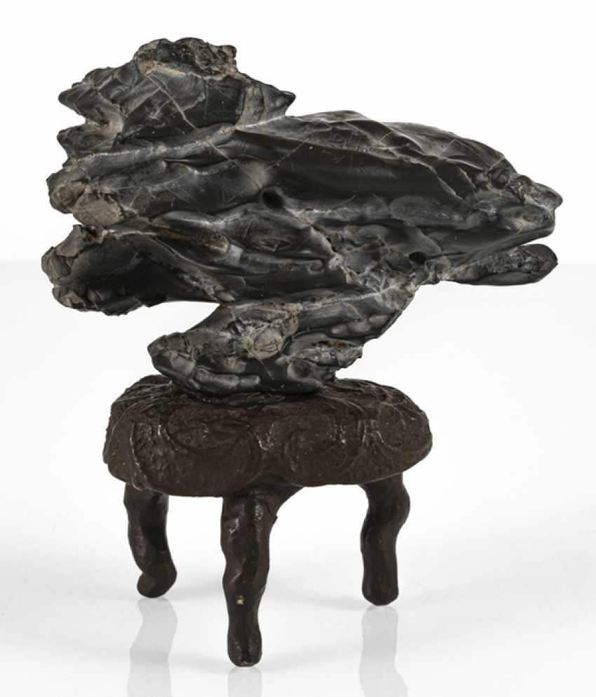 Taught stone on the three-legged root wood with brown lacquer collection - photo 3