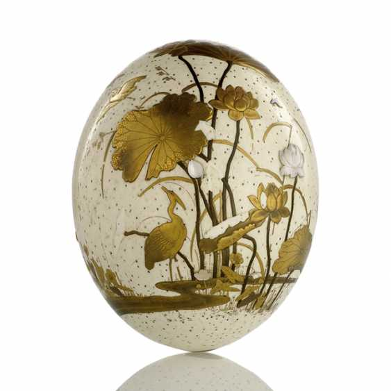 Ostrich egg decorated with fine gold lacquer painting of Birds and flowers in Shibayama-style - photo 1