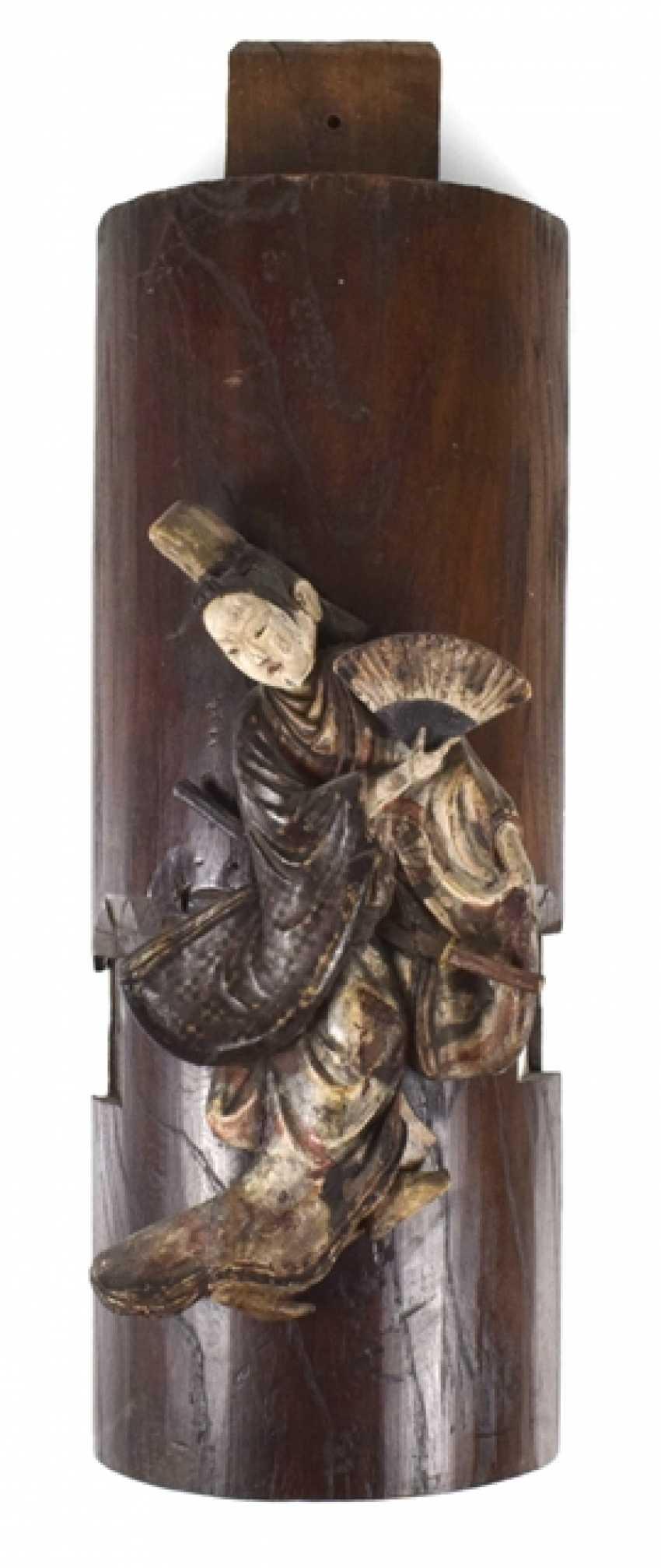 На деревянную панель, смонтированная резьбой самурая - фото 1