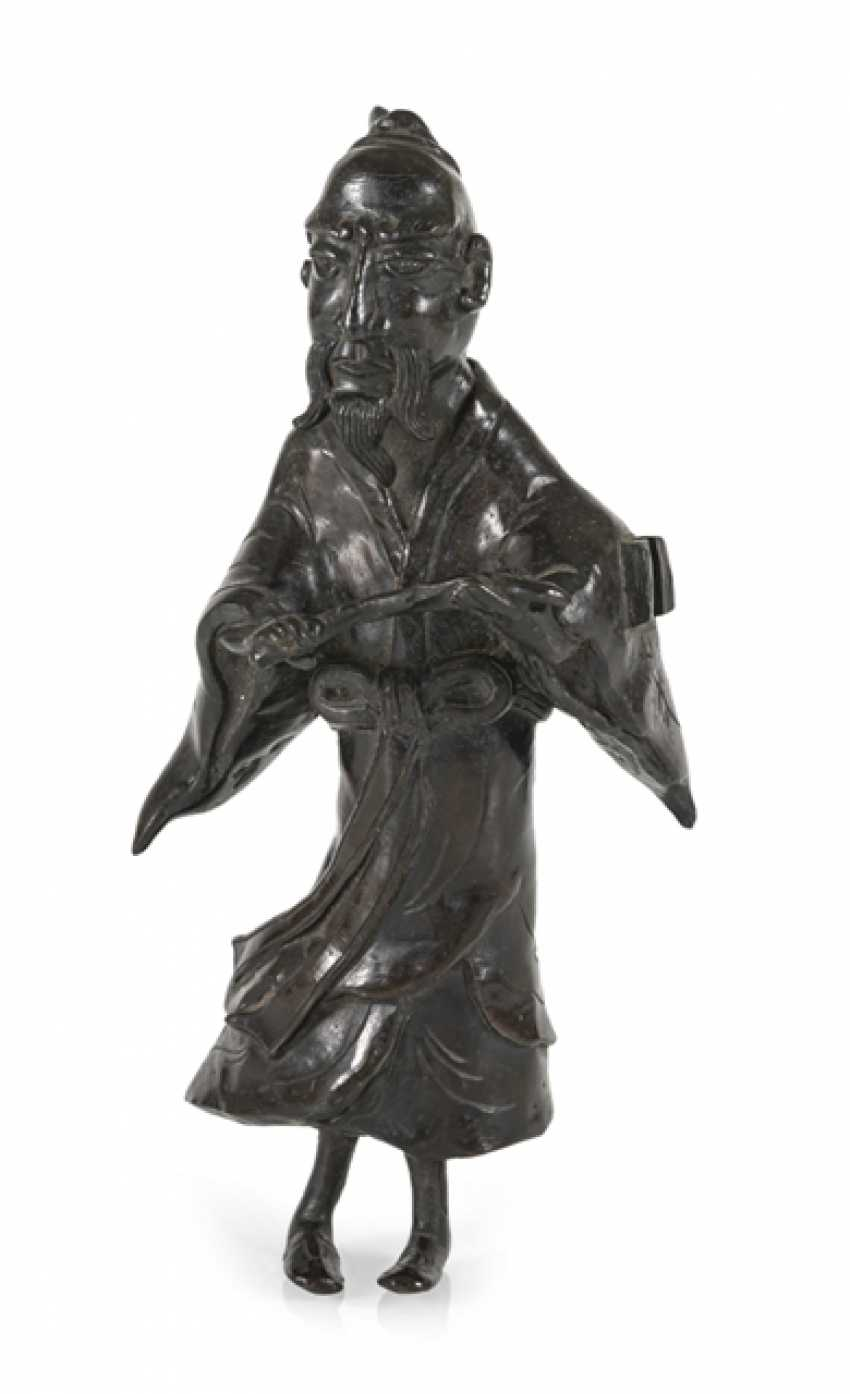 Bronze of a standing Sennin - photo 1