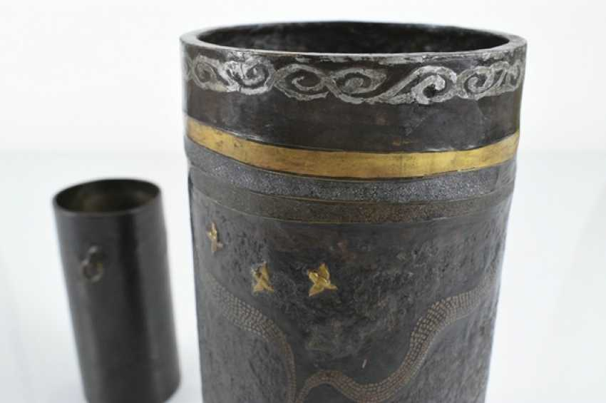 Brush Cup made of Bronze or iron, and partly with the decor of the Seibo, Tobosaku and a Rakan - photo 3