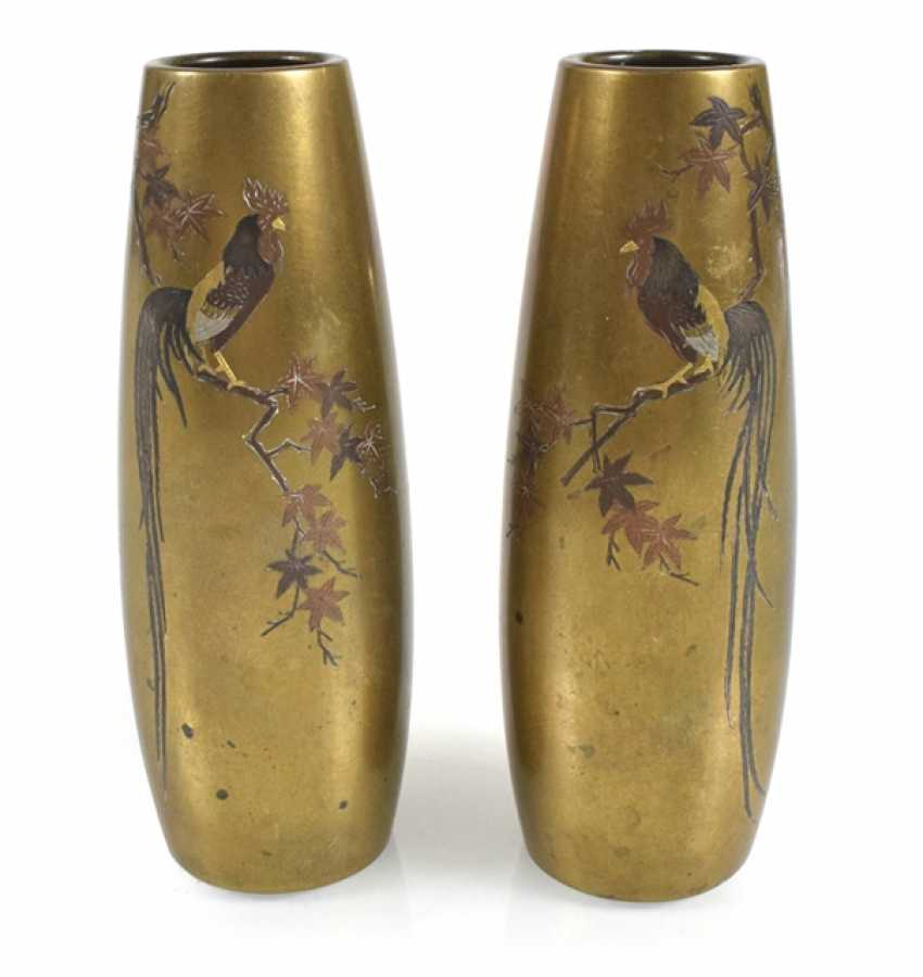 Pair of vases made of colorful metal with decoration of cocks - photo 1