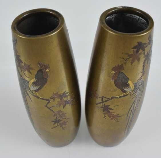 Pair of vases made of colorful metal with decoration of cocks - photo 2