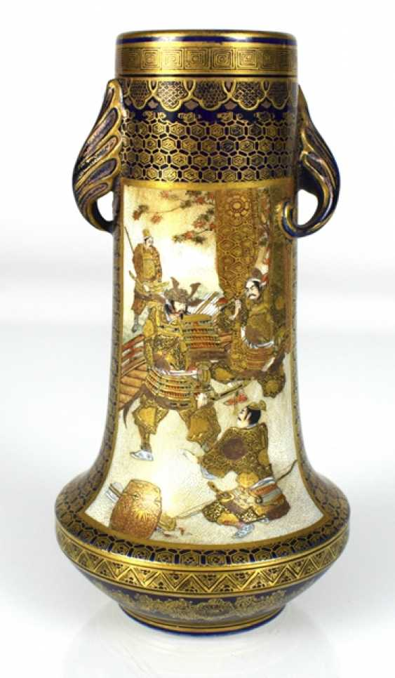 Satsuma Vase with decor of Roman scenes - photo 3