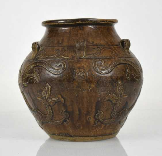 Brown glazed shoulder pot with dragon decoration in Relief - photo 2
