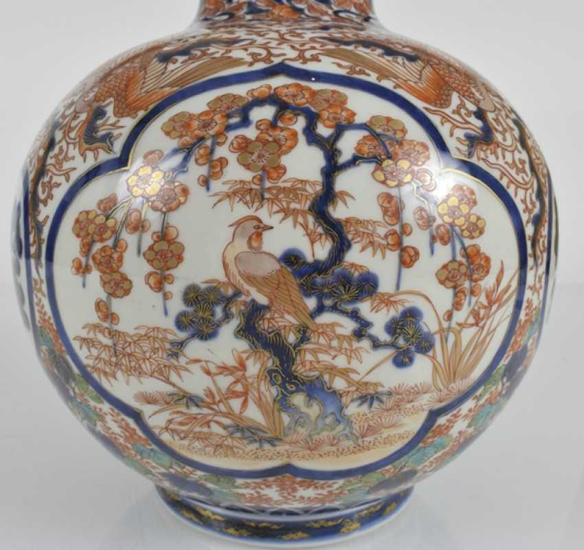 Imari-ball vase with decoration of birds, pine trees, dragons, among others - photo 2