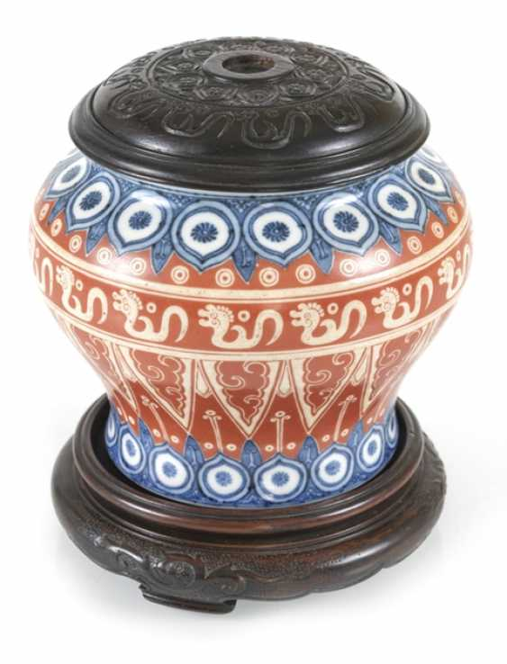 Red-and-blue-enameled lid pot with decor archaist of the dragon - photo 1