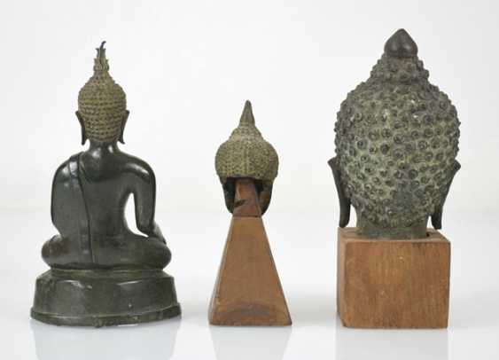 Eleven bronze heads and a bronze sculpture of the Buddha Shakyamuni - photo 2