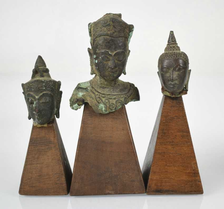 Eleven bronze heads and a bronze sculpture of the Buddha Shakyamuni - photo 6