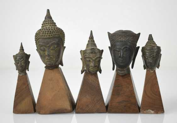 Eleven bronze heads and a bronze sculpture of the Buddha Shakyamuni - photo 7