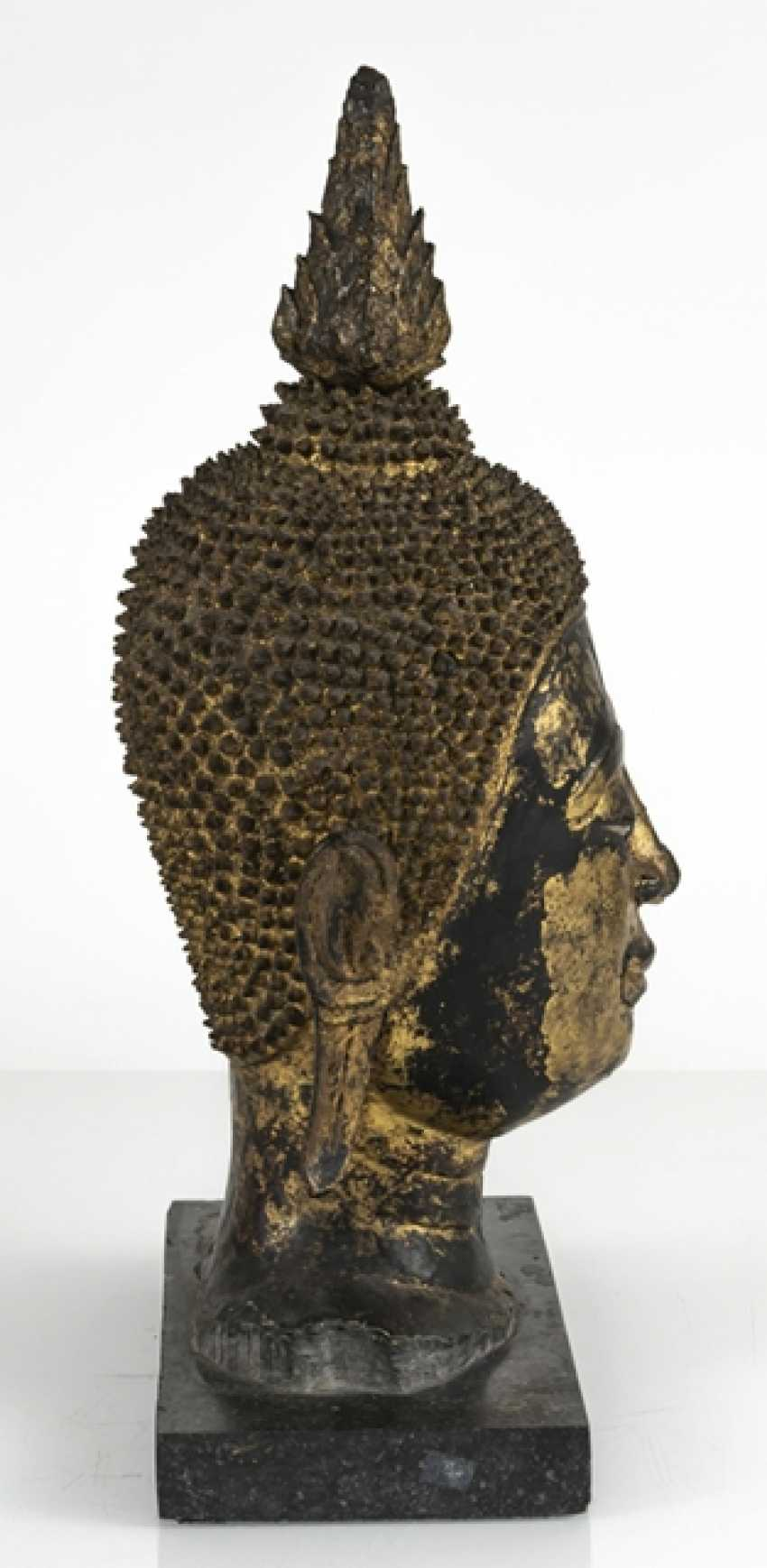 Head of the Buddha Sakyamuni made of Bronze with gold-toned and black lacquer version - photo 2