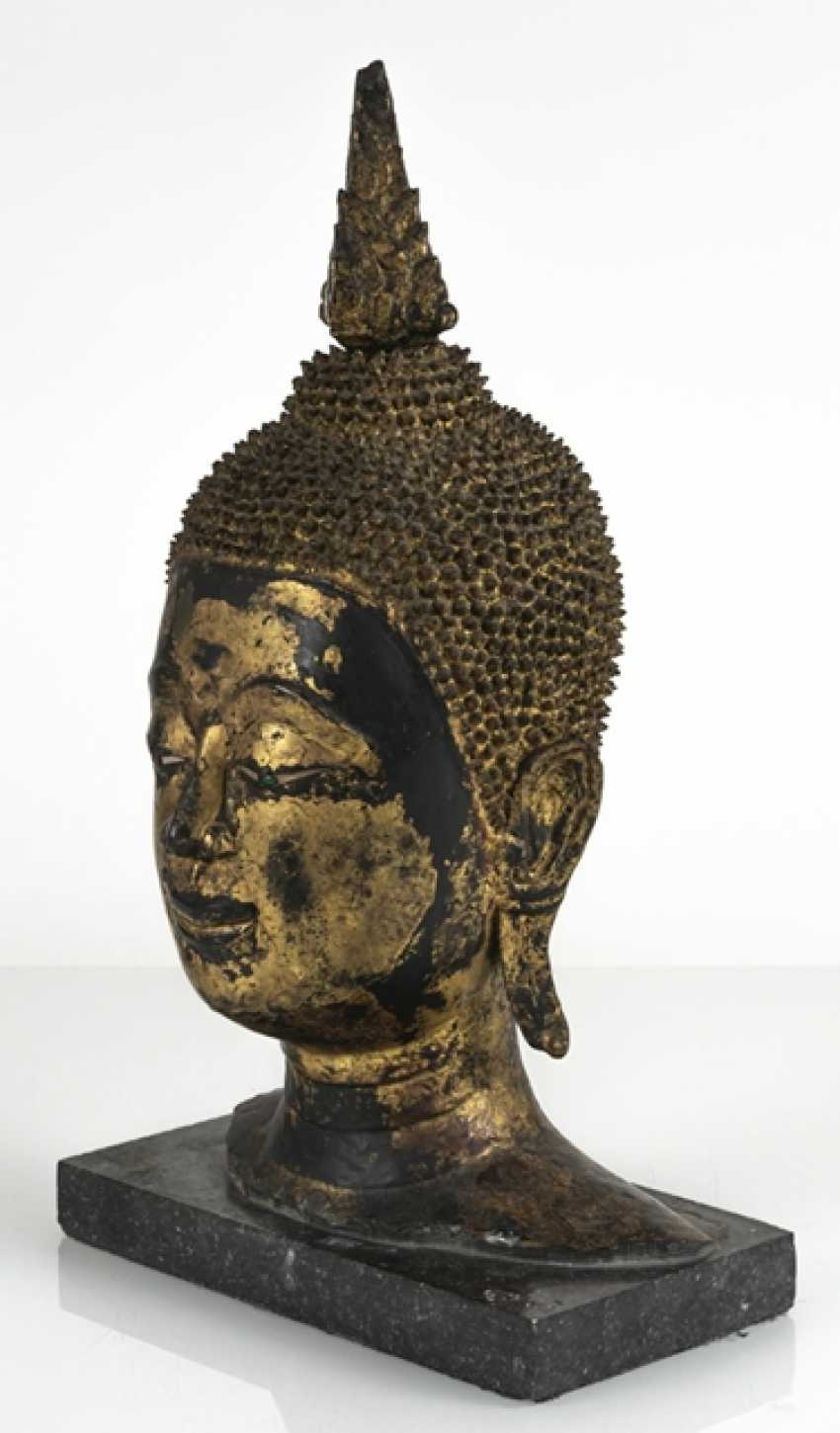 Head of the Buddha Sakyamuni made of Bronze with gold-toned and black lacquer version - photo 4