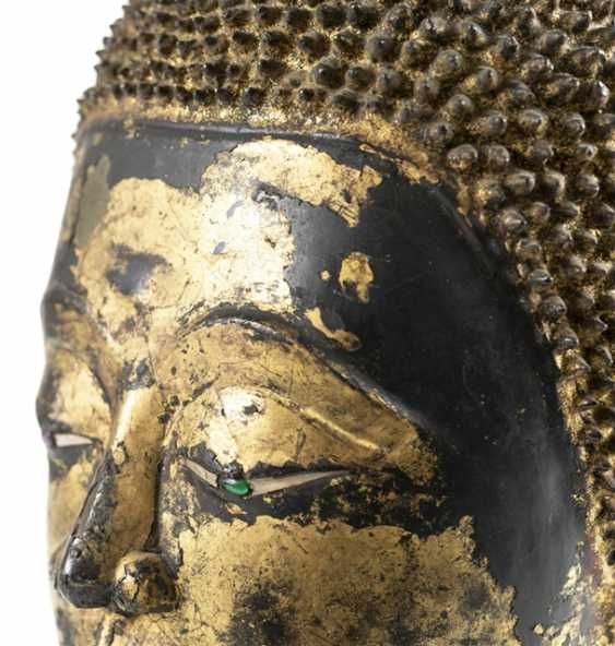 Head of the Buddha Sakyamuni made of Bronze with gold-toned and black lacquer version - photo 6