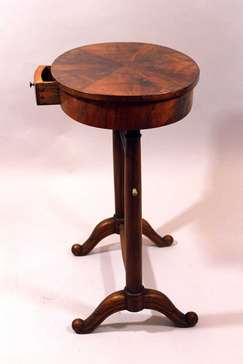 Small French directoire oval working table on two round column feet, each with two extended legs and bronze connection, one drawer and oval top - photo 3