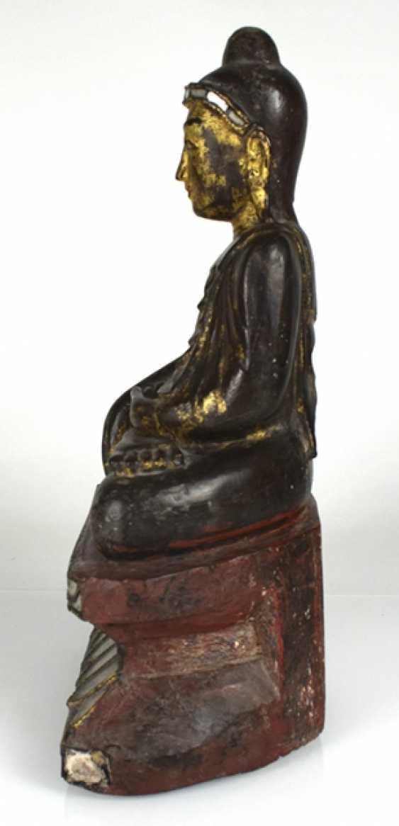 Wood figure of the seated Buddha Shakyamuni - photo 2