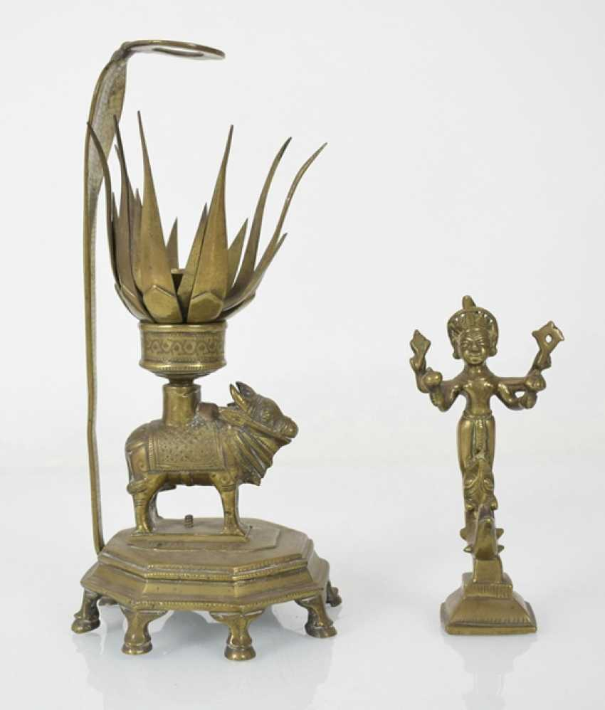 Six bronze sculptures, including an oil Lamp, Krishna and Radha - photo 2