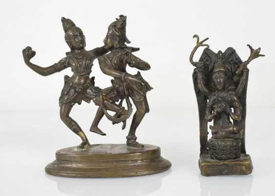 Six bronze sculptures, including an oil Lamp, Krishna and Radha - photo 3