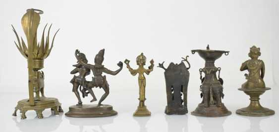 Six bronze sculptures, including an oil Lamp, Krishna and Radha - photo 5