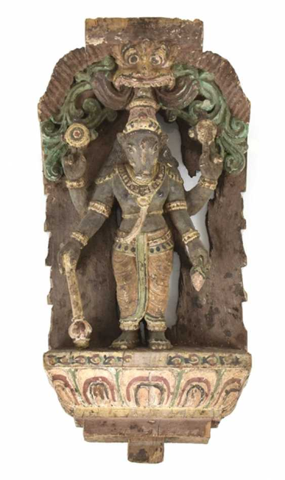 Wood carving with a depiction of the Ganesha - photo 1