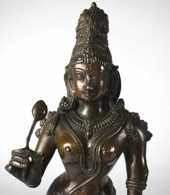 Bronze figure of standing Parvati - photo 3
