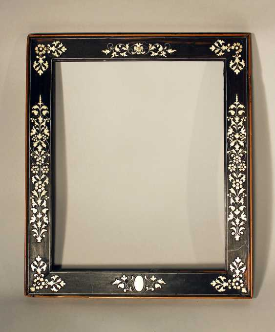 Small Italian collectors frame, with rich ivory floral intarsias on ebonised wooden frame - photo 1