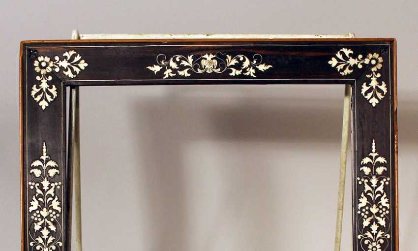 Small Italian collectors frame, with rich ivory floral intarsias on ebonised wooden frame - photo 3