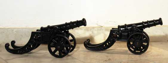 Two small miniature infantry cannons, each on two wheels - photo 1