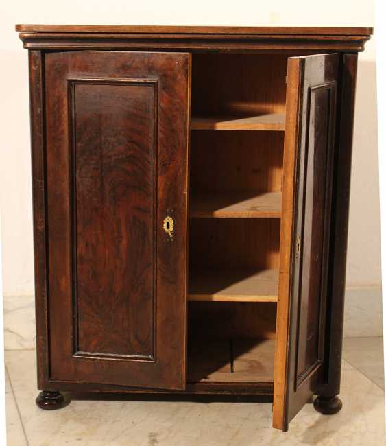 A small miniature armoire with two doors, round corners and on four feet - photo 2