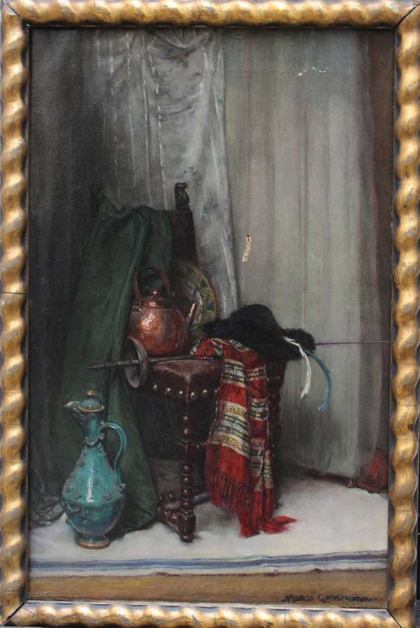 Hedwig Mechle-Grosmann (1857-1928)-attributed, Still life with pottery, textile, a pot and a rapier on a chair, in front of curtain - photo 1