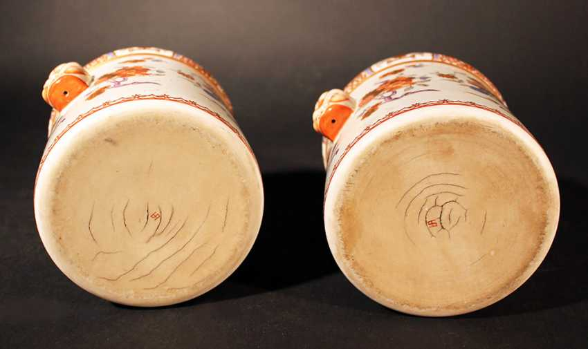 A pair of Compagnie des Indes porcelain pots, cylindrical shape with two grimaces faces on the sides - photo 3