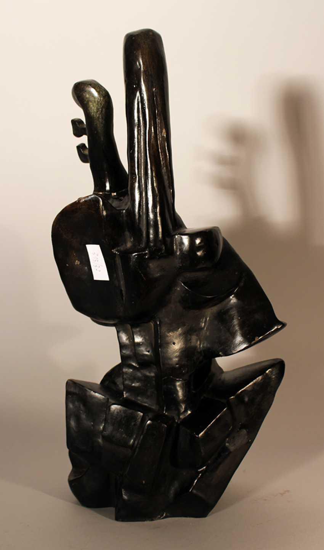 Cubistic bronze sculpture of a violinist - photo 2