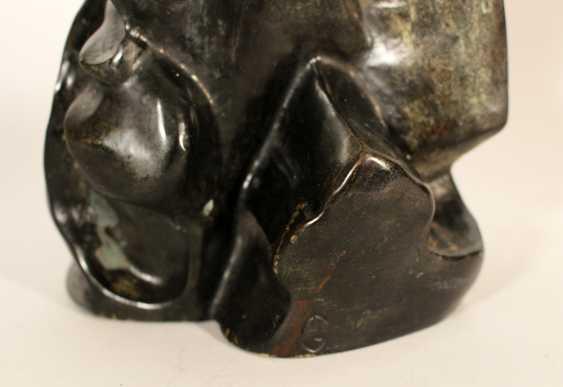 Cubistic bronze sculpture of a violinist - photo 3