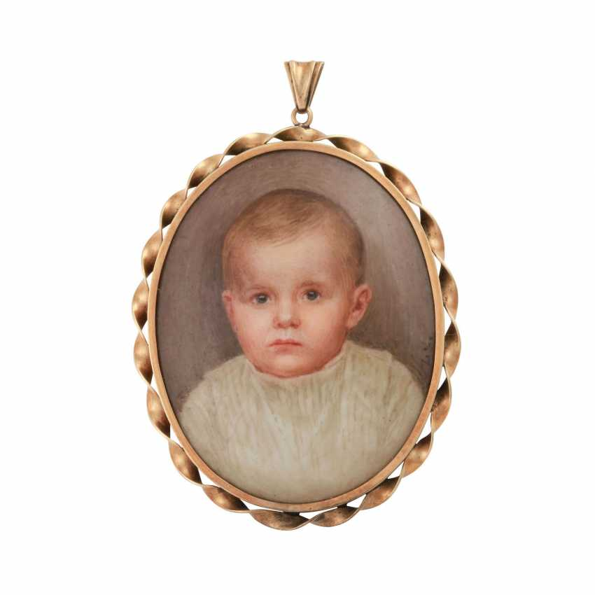 Pendant with Portrait of a small child in fine porcelain painting - photo 1