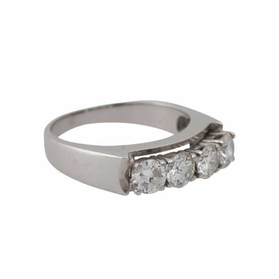Ring with 4 brilliant-cut diamonds, together approx 1.2 ct. - photo 2