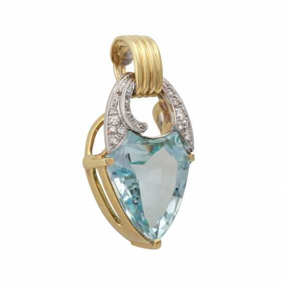Clip pendant with blue Topaz in a fancy cut and brilliant-cut diamonds - photo 2