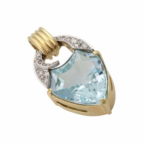 Clip pendant with blue Topaz in a fancy cut and brilliant-cut diamonds - photo 4