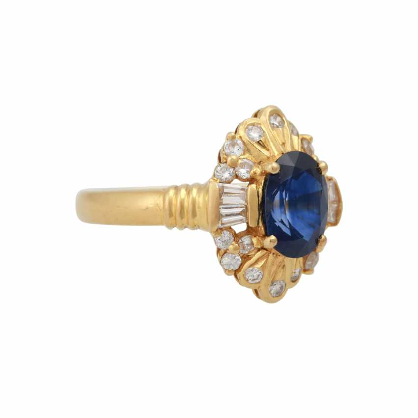 Ring with sapphire approx 1.8 ct, and diamonds - photo 2