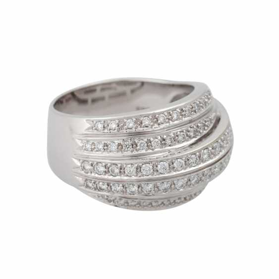 Ring set with numerous brilliant-cut diamonds, approximately 1 ct - photo 2